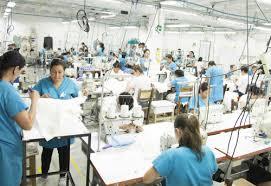 El Gobierno Nacional no está en el plan de apoyar o promover despidos masivos, sino en proteger el empleo y el bienestar de los trabajadores: Presidente Duqe.