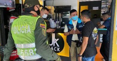 Secretaría de control físico lideró jornada de sensibilización con comerciantes del barzal bajo